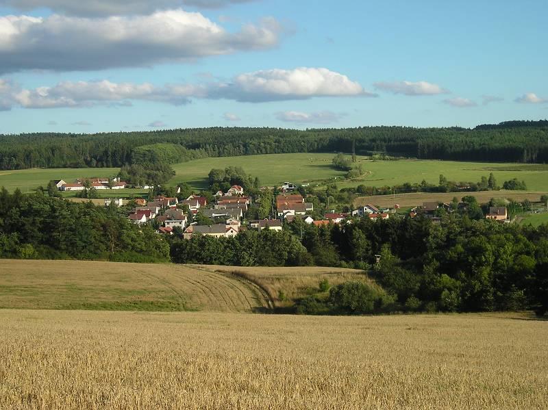 Celkový pohled na obec Všenice